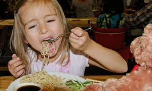 Little-girl-restaurant-006-300x180
