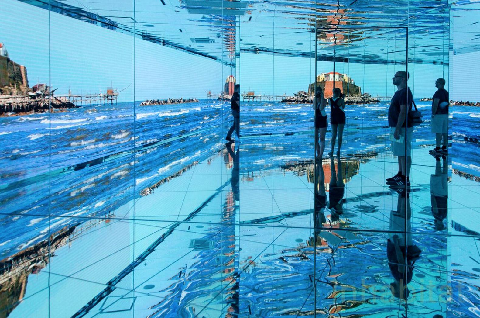 Зеркальные залы палаццо Италия